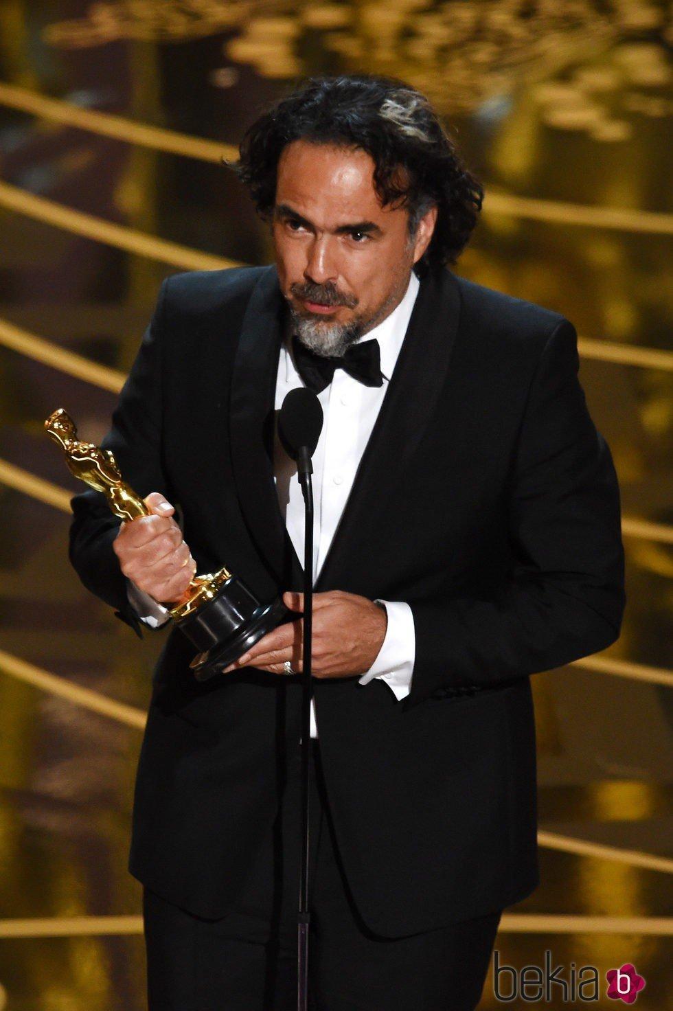 Alejandro Gonzalez Iñárritu recogiendo su Oscar 2016 a Mejor Director