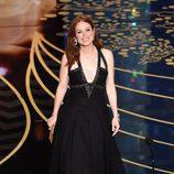 Julianne Moore durante la ceremonia de los Premios Oscar 2016