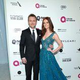 Chris Hardwick y Lydia Hearst en la fiesta de Elton John tras los Oscar 2016