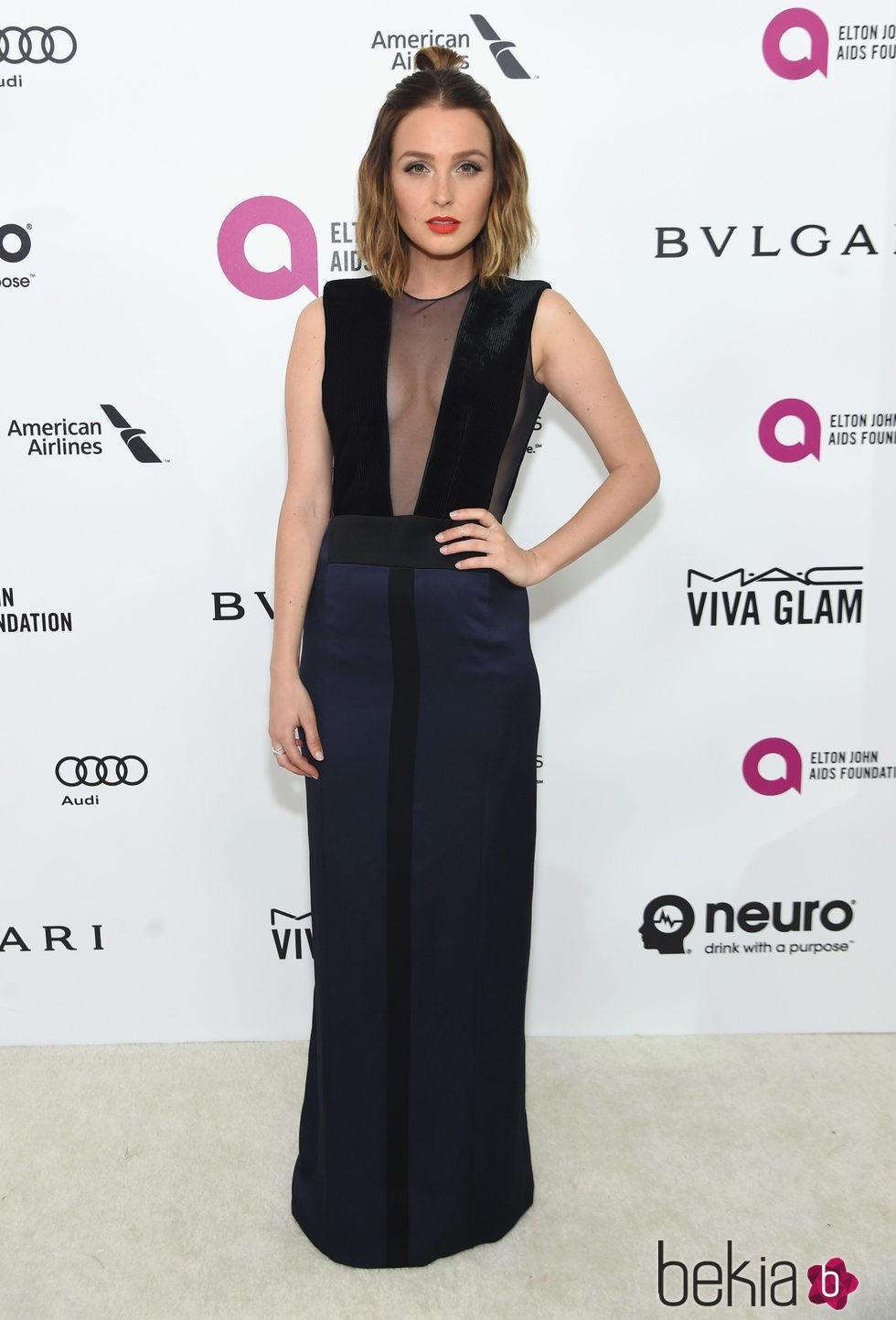 Camilla Luddington en la fiesta de Elton John tras los Oscar 2016