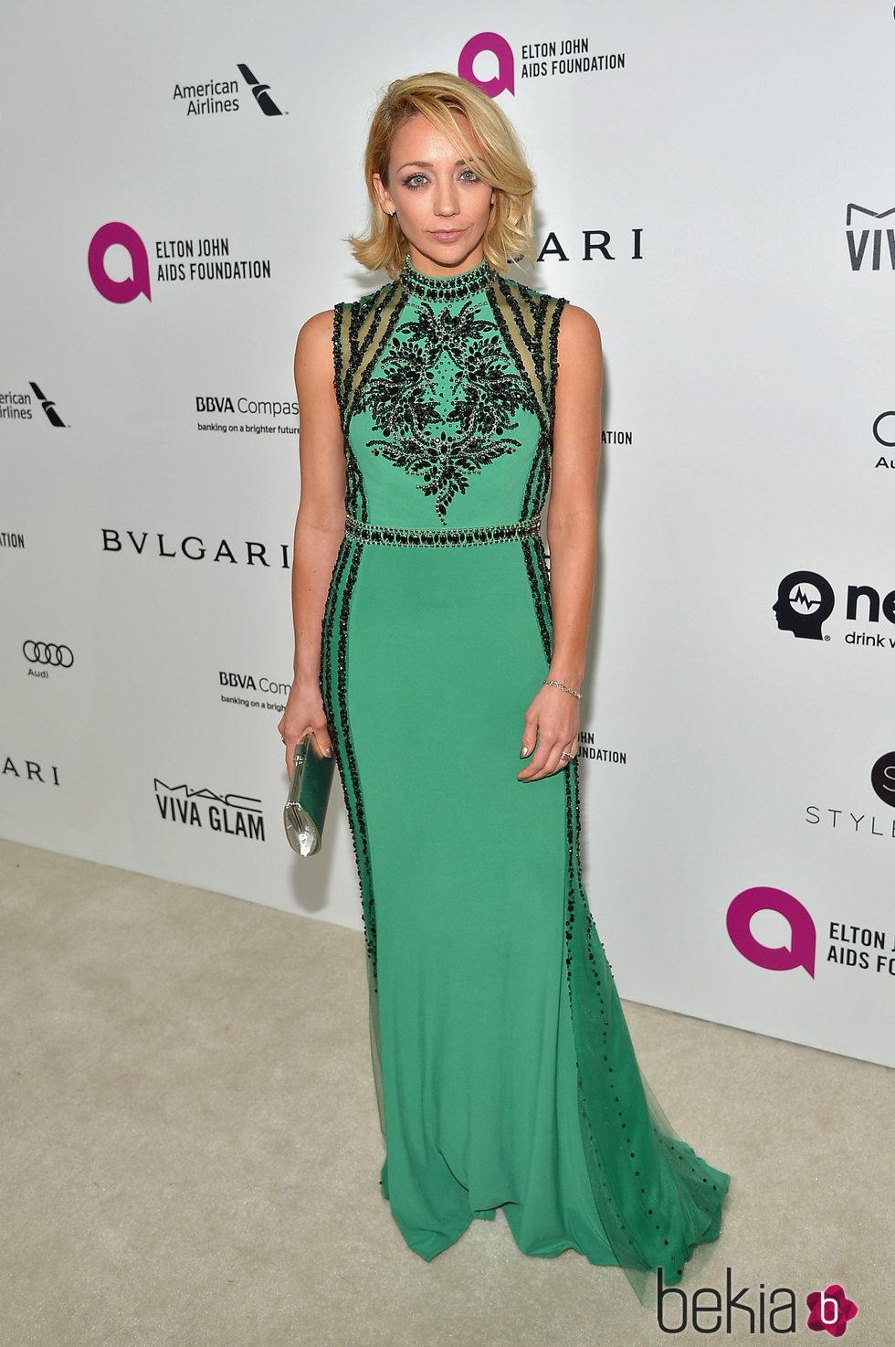 Sarah Scott en la fiesta de Elton John tras los Oscar 2016