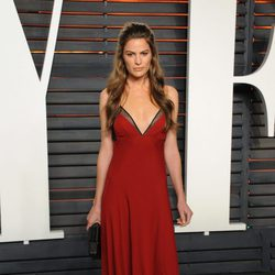 Cameron Russel en la fiesta de Vanity Fair tras los Oscar 2016