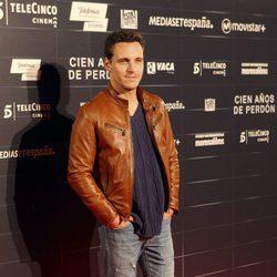 Ricard Sales en el estreno de la película 'Cien años de perdón'