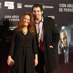 Guillermo Ortega y Fátima Baeza en el estreno de la película 'Cien años de perdón'
