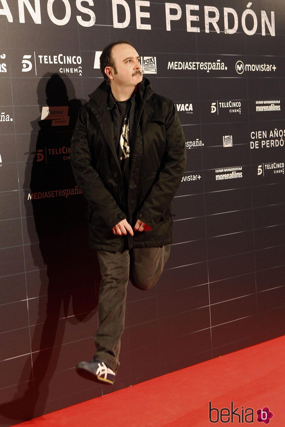 Carlos Areces en el estreno de la película 'Cien años de perdón'
