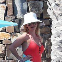 Reese Witherspoon disfrutando de un día de playa en Cabo San Lucas