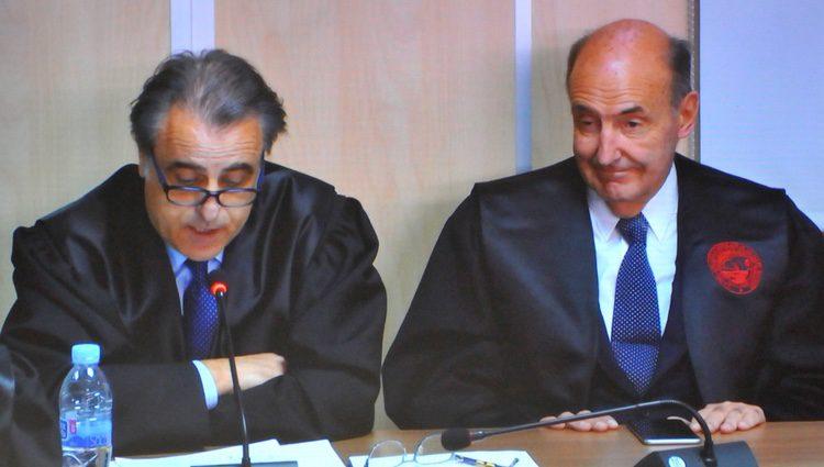Pablo Molins y Miquel Roca en el interrogatorio a la Infanta Cristina en el juicio por el Caso Nóos