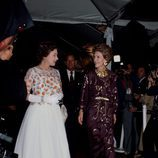 La Reina Isabel II con Nancy Reagan en Long Beach