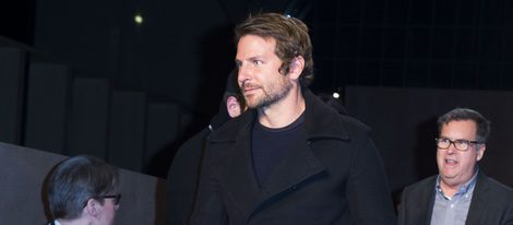 Bradley Cooper en el front row del desfile de Givenchy en Paris Fashion Week otoño/invierno 2016/2017