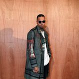 Chris Brown en el front row del desfile de Givenchy en Paris Fashion Week otoño/invierno 2016/2017