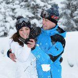 Los Duques de Cambridge posan de vacaciones en la nieve