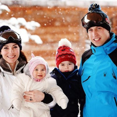El Príncipe Guillermo, Kate Middleton, el Príncipe Jorge y la Princesa Carlota en sus primeras vacaciones en la nieve