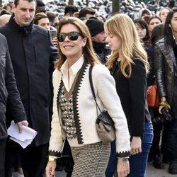 Carolina de Mónaco y su hija Alexandra en el desfile de Chanel en Paris Fashion Week otoño/invierno 2016/2017