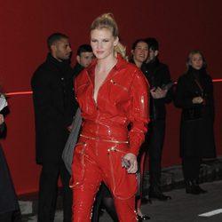 Lara Stone en la fiesta L'Oreal Paris Red Obsession
