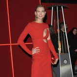Karlie Kloss en la fiesta L'Oreal Paris Red Obsession