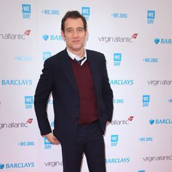 Clive Owen en la gala We Day 2016 de Londres