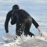 Jennifer Garner lanzándose al mar durante el rodaje de 'The Tribes of Palos Verdes'