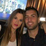 Sergio Busquets y Elena Galera posando juntos
