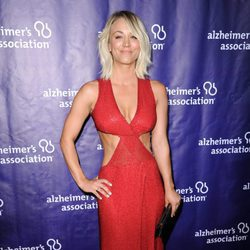 Kaley Cuoco en una fiesta solidaria de 'The Big Bang Theory'