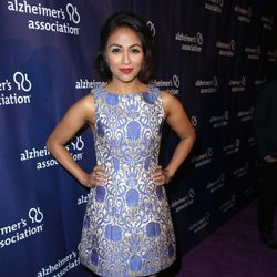 Karen David en una fiesta solidaria de 'The Big Bang Theory'