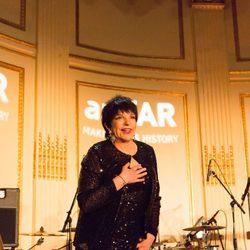 Liza Minelli en la gala anual de amfAR en Nueva York