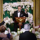 Barack Obama brindando en la cena de gala ofrecida al Primer Ministro de Canadá