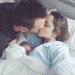 Lorena Van Heerde y Rafik Dehni presentan a su hija Alexia