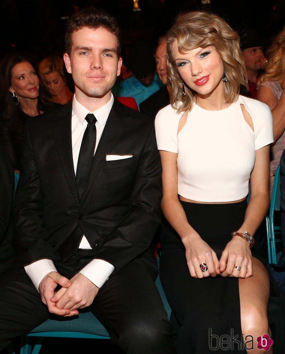 Taylor Swift y su hermano Austin