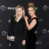 Billie Lourd y Abigail Breslin en el PaleyFest 2016 celebrado en Los Angeles