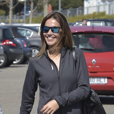 Lara Álvarez muy sonriente en su primera aparición tras romper con Fernando Alonso