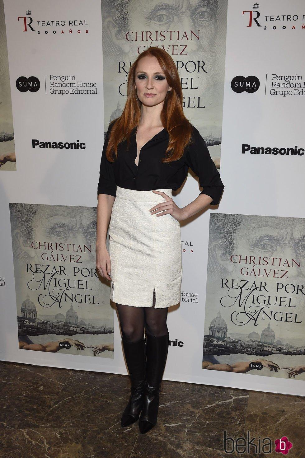 ¿Cuánto mide Cristina Castaño? - Altura 88963_cristina-castano-presentacion-libro-reza-por-miguel-angel
