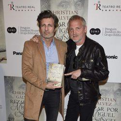 Jesús Olmedo y Jordi Rebellón en la presentación del libro 'Reza por Miguel Ángel'