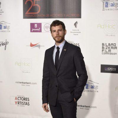 Álvaro Cervantes en los Premios Unión de Actores 2016