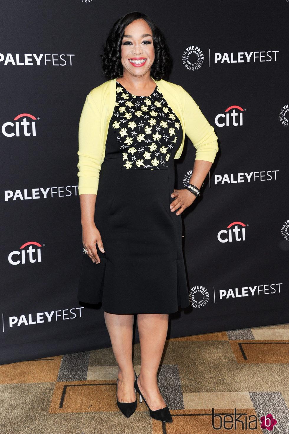 Shonda Rhimes en la promoción de 'Scandal' en el Paleyfest 2016