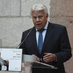 Felipe González en la presentación del libro 'Preso pero libre' en Madrid
