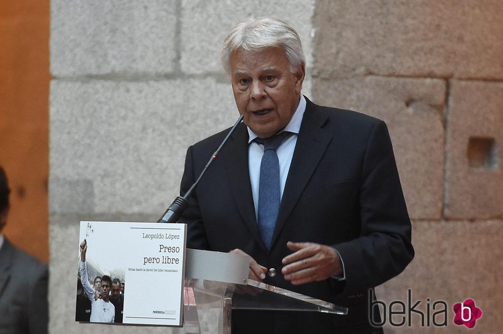 Felipe González en la presentación del libro