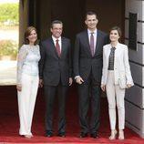 Los Reyes Felipe y Letizia con el Gobernador de Puerto Rico y su mujer