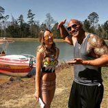 Belinda con Dwayne Johnson en el rodaje de 'Los vigilantes de la playa'
