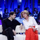 Rosa Benito hablando con Julián Contreras Jr en la gala de 'Gran Hermano VIP'