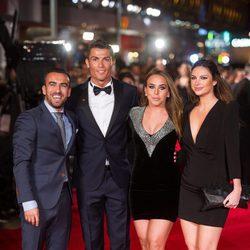 Cristiano Ronaldo y Chloe Green en el estreno del documental del jugador en Londres