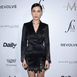 Bella Hadid en los Fashion Awards 2016 en Los Ángeles
