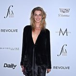 Angela Lindvall en los Fashion Awards 2016 en Los Ángeles