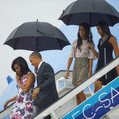 Barack Obama y su familia tras su llegada a Cuba