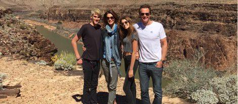 Cindy Crawford junto a su familia en el Gran Cañón