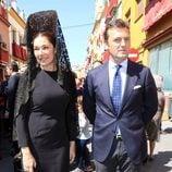 Raquel Revuelta y Raúl Gracia 'El Tato' en la Semana Santa de Sevilla 2016