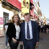 César Cadaval y su mujer Patricia Rodríguez en la Semana Santa de Sevilla