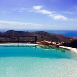 Marta Torné tomando el sol en bikini en Gran Canaria