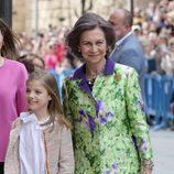 La Reina Sofía con la Infanta Sofía en la Misa de Pascua 2016
