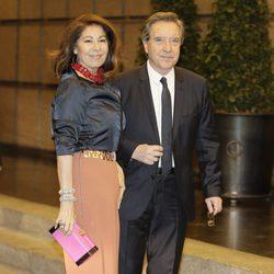 Iñaki Gabilondo y su mujer en el 80 cumpleaños de Mario Vargas Llosa