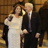 Mario Vargas Llosa, muy enamorado de Isabel Preysler en su 80 cumpleaños